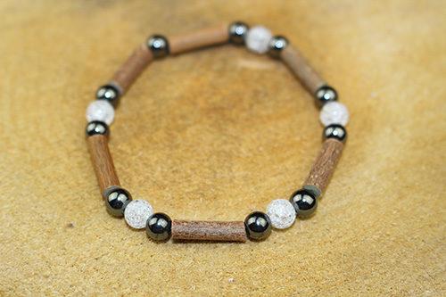 Bracelet Simple Bois de Noisetier et Cristal de Roche