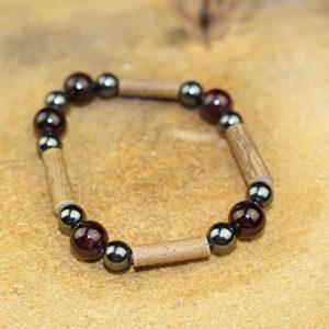 Bracelet Simple Bois de Noisetier et Grenat