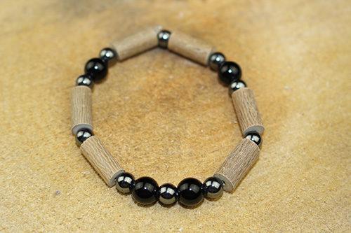 Bracelet Simple Bois de Noisetier et Onyx Noire
