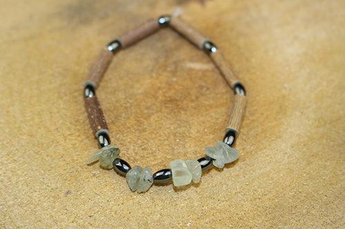Bracelet Simple Bois de Noisetier et Prehnite