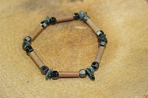 Bracelet Simple Bois de Noisetier et la Seraphinite